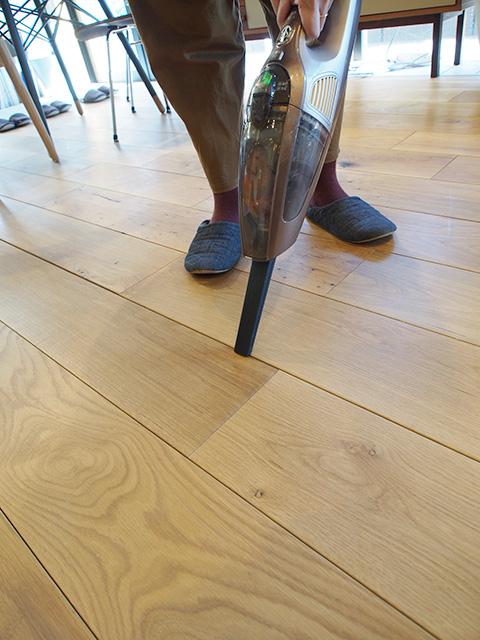 無垢 の 床 掃除
